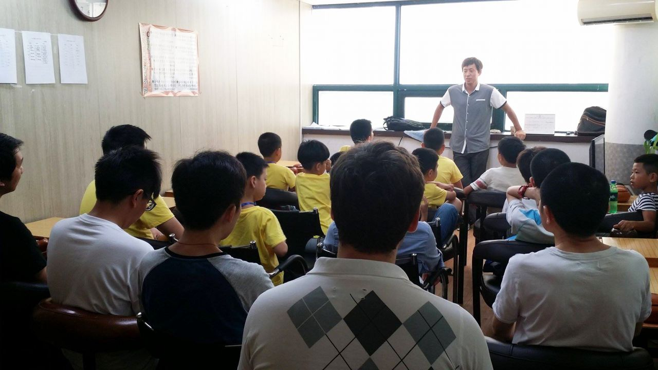 Kim Seungjun giving a class at Blackie's International Baduk School, Gunpo City, Korea
